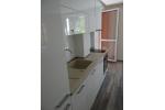 Кухня в Бял Гланц и Бяло Лакобелно стъкло